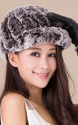 Меховая кепка женская 3