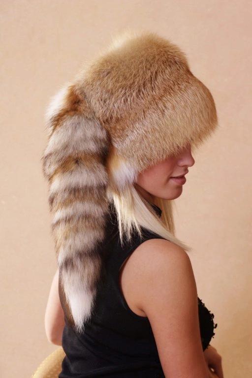 Женская шапка лиса: фото, критерии выбора, как ухаживать