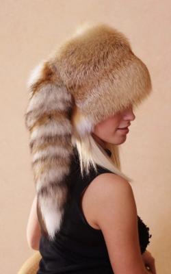 Женская шапка из меха лисы фото 4