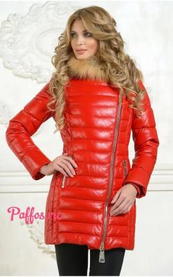 Женский кожаный пуховик красный