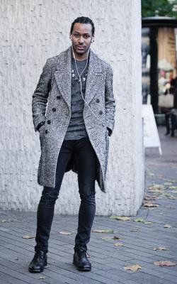 Двубортное мужское пальто фото 1