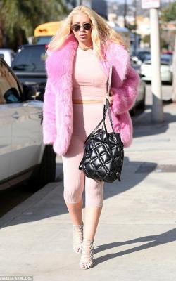 Розовая шуба фото-3