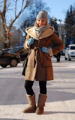Дубленка с вязаной шапкой фото 11