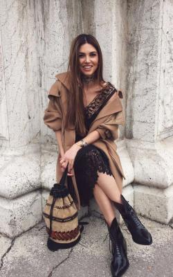 классическое пальто с платьем2
