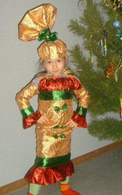 Новогодний костюм конфетки для девочки фото 2