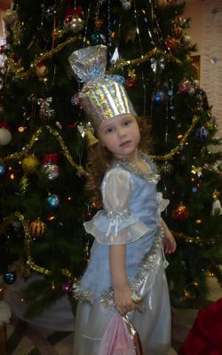 Новогодний костюм конфетки для девочки фото 3