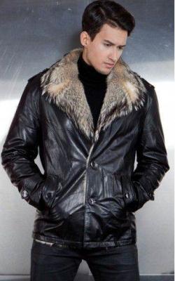 Мужская кожаная куртка с меховым воротником фото 1