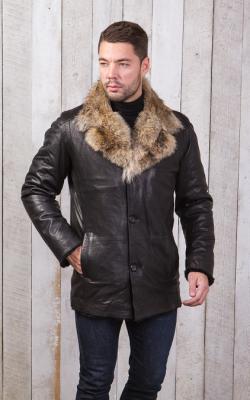 Мужская кожаная куртка с меховым воротником фото 3