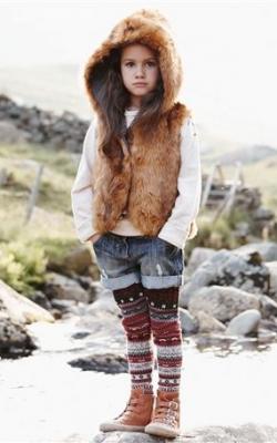 Девочка в меховом жилете фото 6