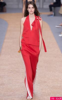 Красный костюм с лампасами фото 9