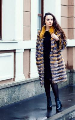 Меховое пальто на трикотажной основе фото 9
