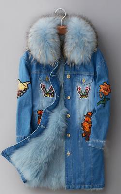 Джинсовое пальто с вышивкой и мехом