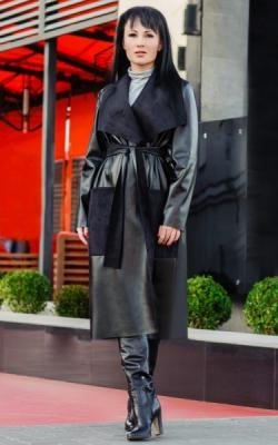 Демисезонное пальто из экокожи