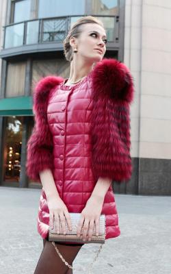 Пальто с меховыми рукавами фото 4