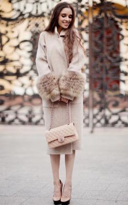 Пальто с меховыми рукавами фото 5