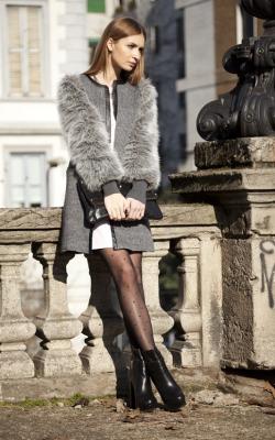 Пальто с меховыми рукавами фото 8