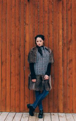 Пальто с меховыми рукавами фото 9