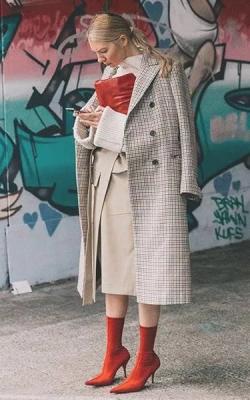Женское пальто в клетку фото
