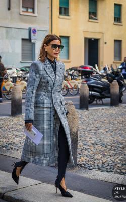 Женское пальто в клетку