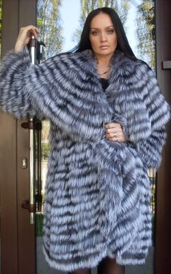 пальто на трикотажной основе из меха чернобурки фото 2