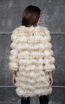 пальто на трикотажной основе из меха енота фото 1