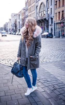 женская зимняя джинсовая парка с мехом -1