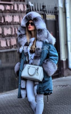 женская зимняя джинсовая парка с мехом фото - 2