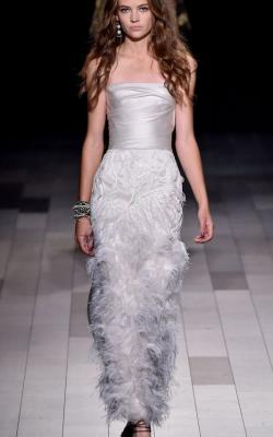 Платье с ретро перьями фото 1