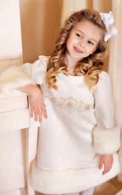 Новогодние платья с мехом фото 1