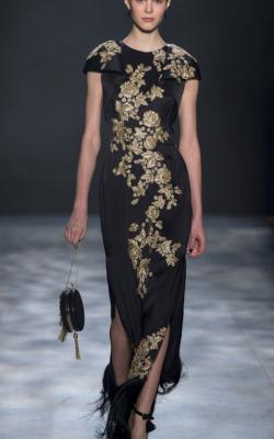 Платья с вышивкой фото 1