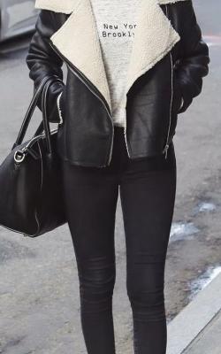с чем носить кожаную куртку с мехом6