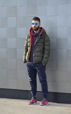 С чем носить мужскую куртку пуховик зимой фото 1