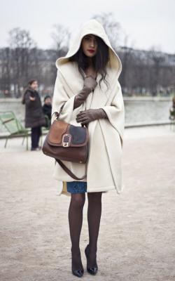 С чем носить пальто с капюшоном фото 2