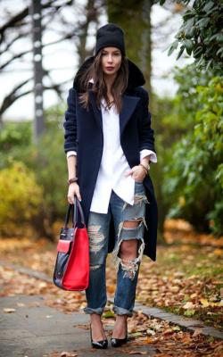 С какой обувью носить вязаную шапку фото 3