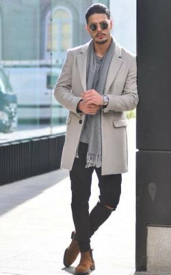 Серое мужское пальто фото 2