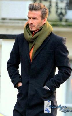 Серое мужское пальто фото 5