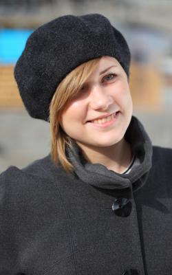 шерстяная женская шапка фото 9