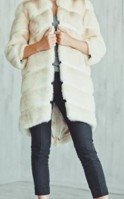 otter fur coat 3