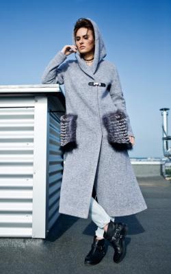 Спартивное пальто с капюшоном фото 1
