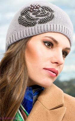 Как украсить женскую зимнюю шапку фото 1