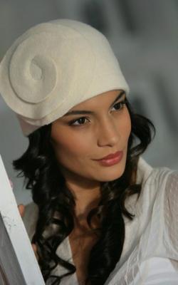 Женская шапка из валяной шерсти фото 3