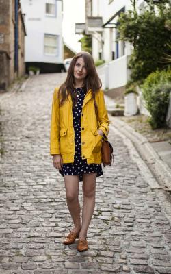 Желтый женский плащ дождевик фото 15