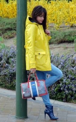 Желтый женский плащ дождевик фото 19
