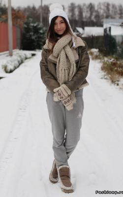 Дубленка с вязаной шапкой фото 6