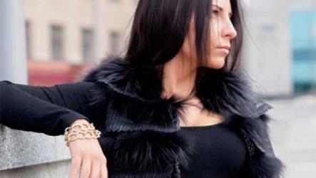 Стильные меховые жилеты 2020: модная длина, мех и цвет