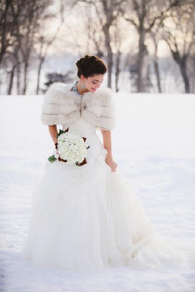 какая шуба подходит под свадебное платье