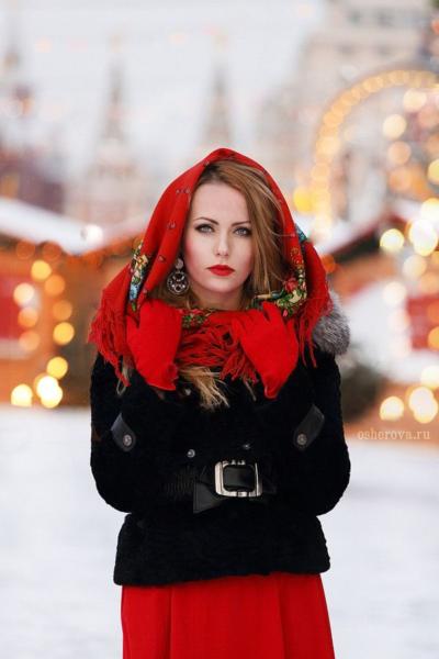 как красиво завязать (повязать) платок зимой на шубу