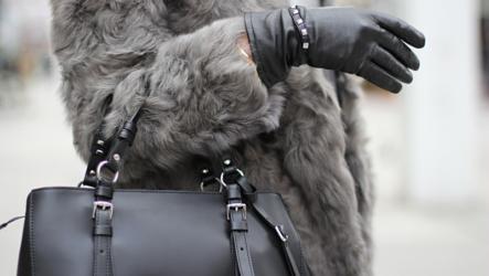 Какие сумки лучше всего подходят к шубе