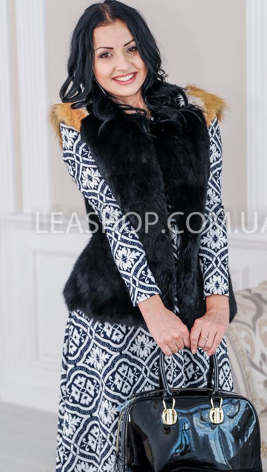 Женская жилетка из кролика фото
