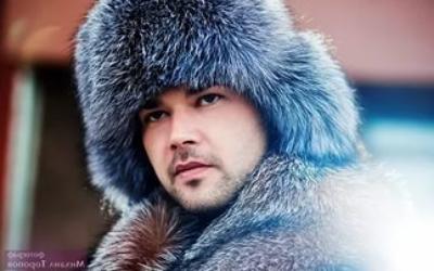 Подбираем стильную мужскую меховую зимнюю шапку